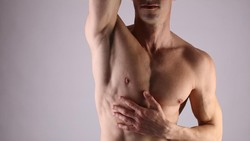 Walau Banyak Diidap Wanita, Pria Juga Harus Waspadai Kanker Payudara