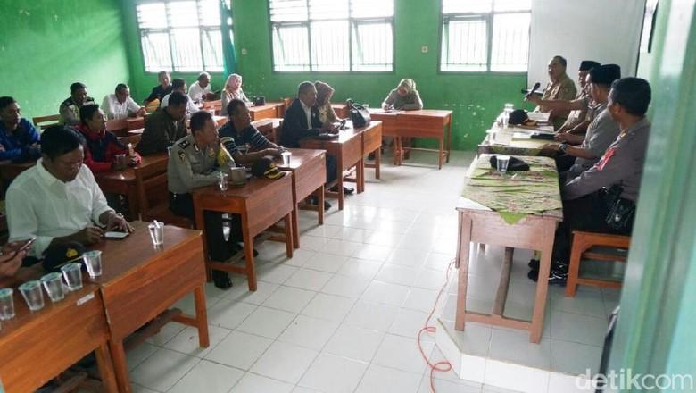 Plt Bupati Jombang Minta Polisi Usut Tuntas Guru Cabuli 25 Siswi
