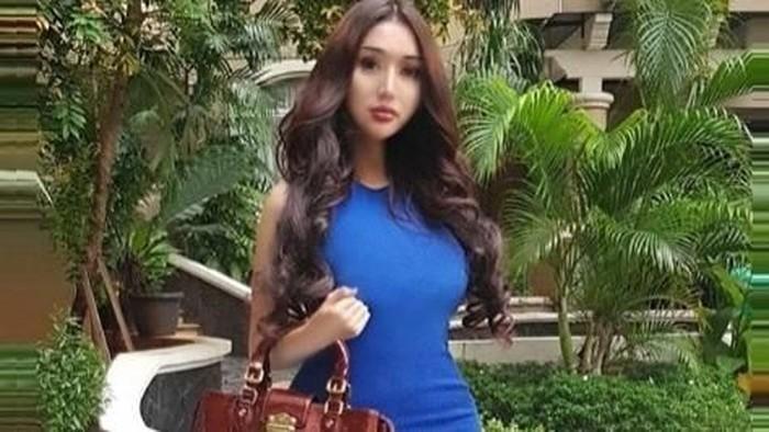 Operasi potong rahang oleh Lucinta Luna makan uang hingga Rp 300 juta. Foto: Dok. Instagram/lucintaluna