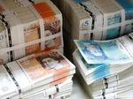 Konglomerat Misterius di Inggris Bagi-bagi Uang Tunai ke Orang Asing
