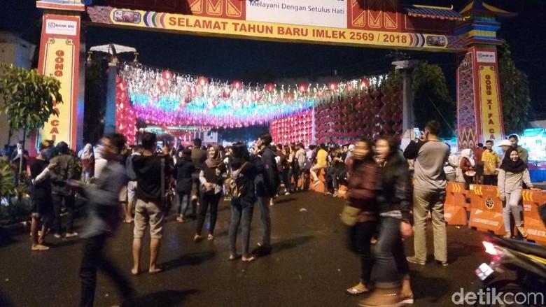 Urus Perpanjangan SIM di Solo Bisa Sambil Wisata Lampion Imlek
