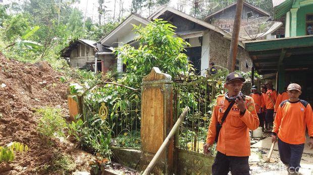 Tanah Gerak di Banjarnegara: 1 Dusun Dikosongkan, 4 Dusun Terisolir