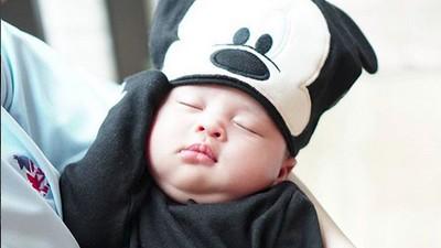 Aih! Lucunya Baby Rapha, Jagoan Cilik Sandra Dewi-Harvey Moeis