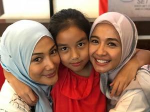 Momen Laudya Cynthia Bella Rayakan Ulang Tahun Mantan Istri Engku Emran