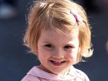 Throwback saat Putri Estelle masih kecil. Imut banget ya? (Foto; Instagram @princessetelleofsweden)