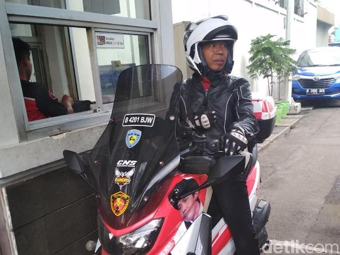 Kiwil hobi naik motor