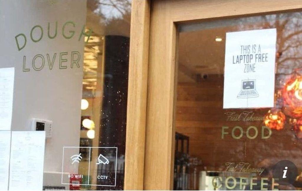 Kafe bernama Dough Lover yang terletak di Brighton, Inggris, ini tidak menyediakan wifi, serta melarang pengunjungnya menggunakan laptop. (Foto: Internet)