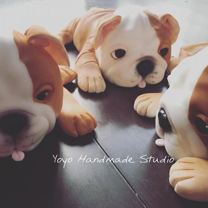 Fondant cake bentuk anak anjing jenis Bulldog ini lucu banget. Mirip banget sama anjing sungguhan, ya? Foto: Instagram