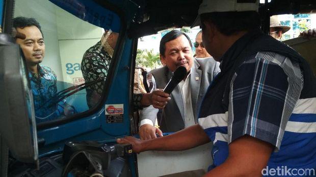 Pengakuan Sopir Bajaj dan Taksi yang Lebih Untung Pakai Gas