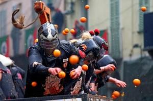 Perang Jeruk di Italia, Festival Seru yang Bikin Memar