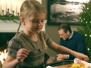 Begini momen-momen saat Putri Estelle merayakan Natal. (Foto; Instagram @princessetelleofsweden)