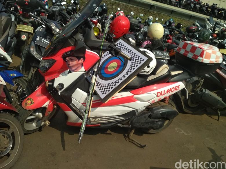 Motor Kiwil dengan gambar wajahnya. Foto: Hanif Hawari