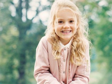 Putri Estelle mendapat gelar Duchess of Ostergotland lho. (Foto; Instagram @princessetelleofsweden)