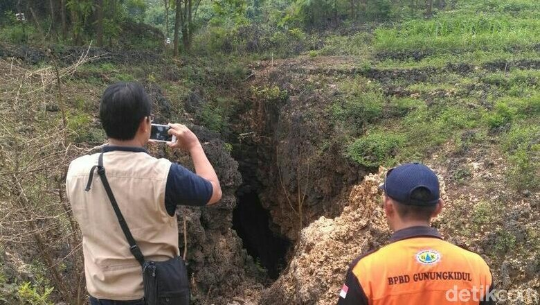 Badan Geologi Teliti Fenomena Lubang Misterius di Gunungkidul