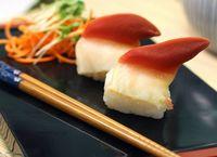 Waduh! Kerang di Atas Sushi Ini Masih Bergerak Hidup Sebelum Dimakan