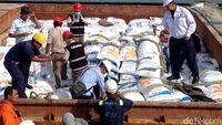 20 Ribu Ton Beras Impor dari India Terlambat Masuk RI