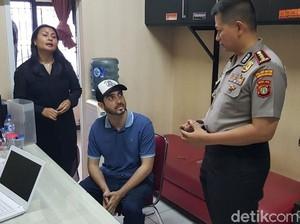 Polisi Temukan Dumolid di Rumah Fachri Albar, Obat Apa Itu?