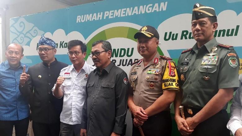 Sambangi Ridwan Kamil-Uu, Pangdam dan Kapolda Ajak Berkampanye Positif