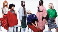 Foto ini tampil di VougueAmerika Serikat edisi Maret 2018.I'm glad to FINALLY be able to announce that i will be on US VOGUE MARCH 2018 edition (print edition) with these gorgeous ladies,tulis Agnez untuk foto ini.Foto: Dok. Vogue US