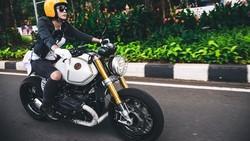 Memiliki hobi mengendarai motor, Nabila Putri tidak lupa untuk jaga kebugaran dan membentuk tubuhnya dengan rutin berolahraga. Mau lihat?
