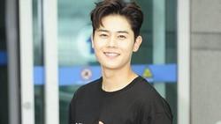 Grup ZE:A tidak hanya dikenal dengan Kwanghee, Siwan atau Hyungsik. Masih ada si ganteng Dongjun yang juga dikenal karena otot perutnya yang bikin meleleh.