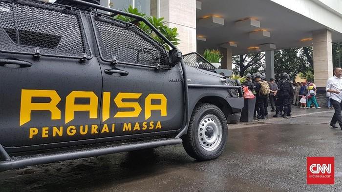Mobil RAISA di Makassar. (CNN Indonesia/Ochank Nuno)