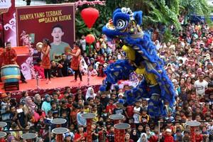 Barongsai Kelas Dunia Sambut Imlek di Trans Studio Mall Bandung