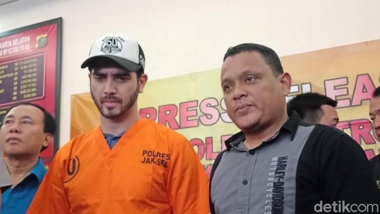 Fachri Albar Ditangkap karena Narkoba, Denada Polisikan Netizen