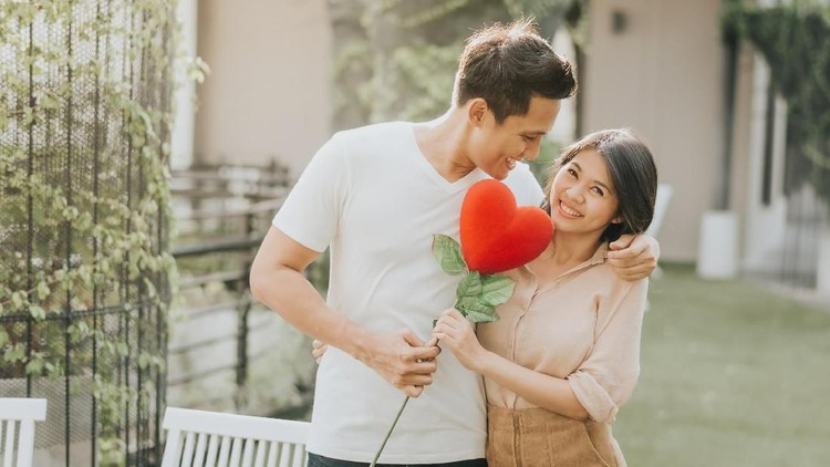 Share Momen Romantis Dapat Voucher Belanja, Bunda Mau?