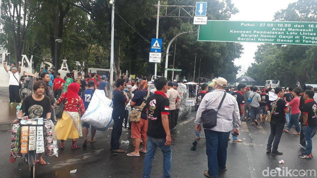 Bubar Demo di Depan Istana, Aliando: Perjuangan Masih Panjang