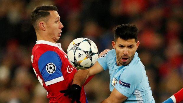 Manchester City menghancurkan Basel 4-0 di Stadion St. Jakob Park. (