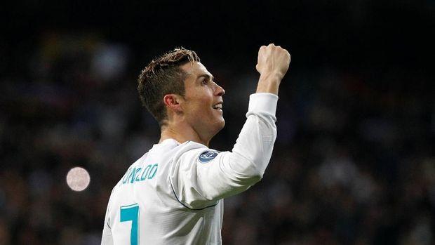 Cristiano Ronaldo menjawab kritikan dengan cara yang paling tepat, lewat torehan gol di lapangan.