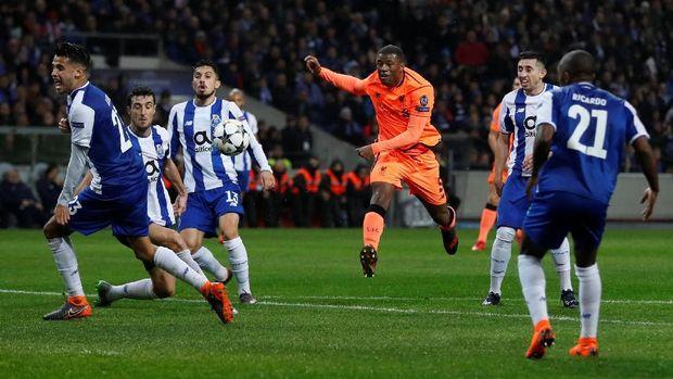 Giorginio Wijnaldum memberikan kontribusinya untuk gol pertama Liverpool yang dicetak Sadio Mane.
