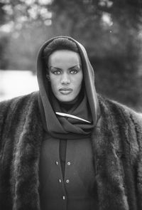 Grace Jones, ikon fashion di era 1980-an.