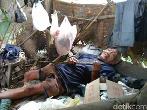 Menengok Kakek Raden yang Hidup Sendirian di Gubuk Kumuh di Purworejo