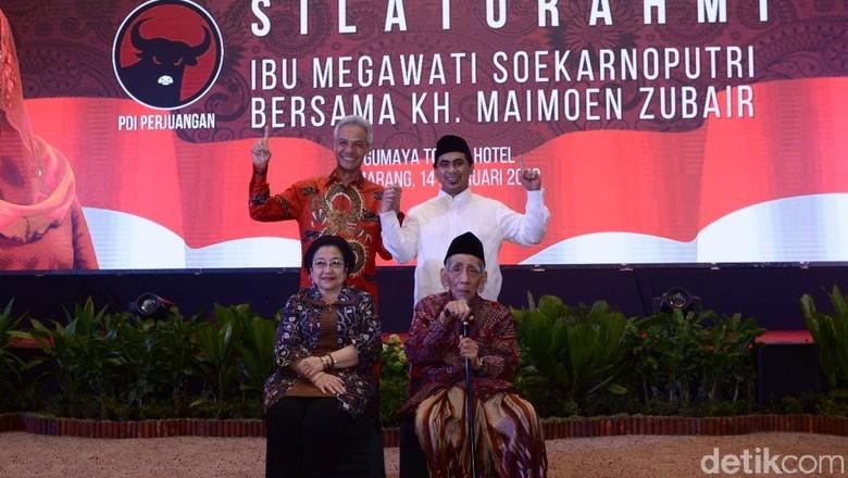 Konsolidasi Ganjar-Yasin, Megawati Silaturahmi dengan Mbah Maimoen