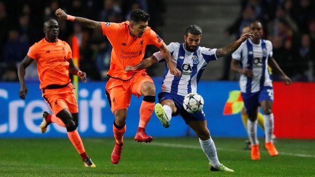 FC Porto tidak banyak berkutik di babak pertama meski bermain di kandang sendiri.