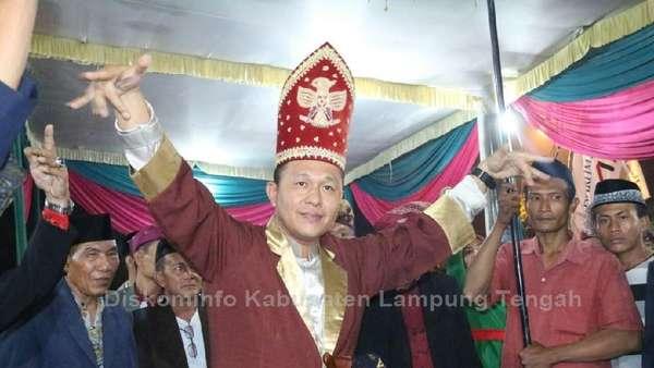 Bupati Lampung Tengah yang Diamankan Terkait Suap Tiba di KPK