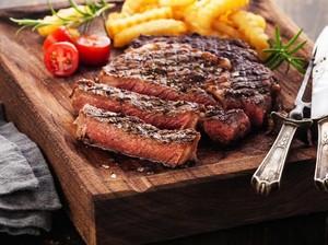 Mau Kencan Sambil Makan Steak? Yuk, datang ke Restoran Romantis Ini