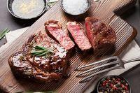 Daging yang Dimasak Matang Sebabkan Hipertensi? Ini Kata Ahli