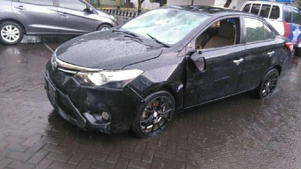 Kejar Kejaran Polisi Dengan Pengemudi Mobil Diwarnai Tembakan