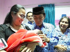 Kisah Bupati Wing Chien Angkat 6 Anak yang Dibuang