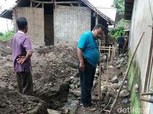 Bantu Bangun Rumah Tetangga, Pria di Mojokerto Tewas Kesetrum