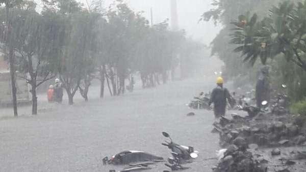 Sempat Hampir Rendam Motor, Banjir di Pulogadung Sudah Surut
