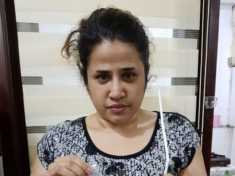 Dhawiya Lesu saat Digiring ke Kantor Polisi