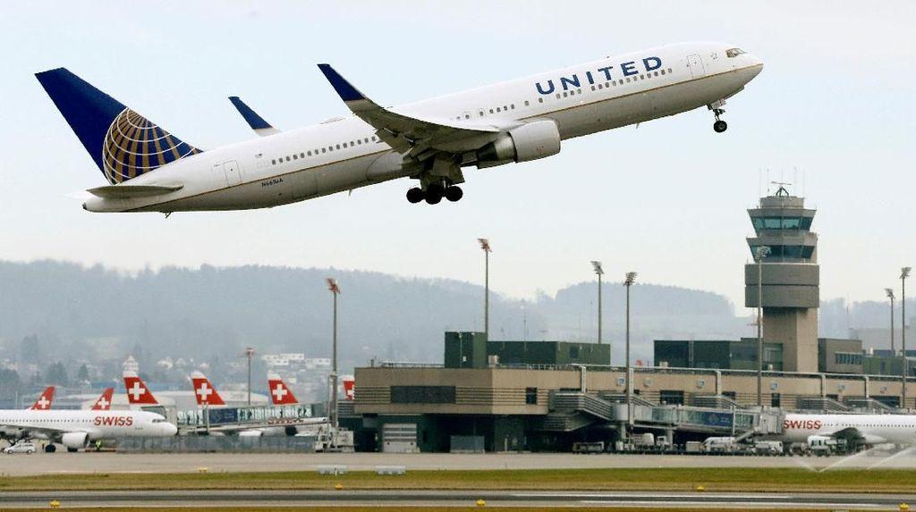 Disebut Bau Badan, Traveler Diusir Keluar Pesawat