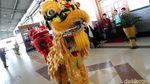 Atraksi Barongsai Sambut Imlek di Stasiun Bogor