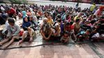 Foto: Menanti Angpao di Wihara Petak Sembilan