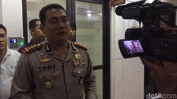 Kapolres Metro Jakarta Timur, Kombes Tony Surya Putra