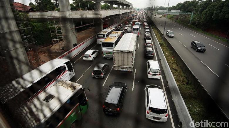 Anggota DPR Kritik Rencana Ganjil-Genap di Tol Bekasi